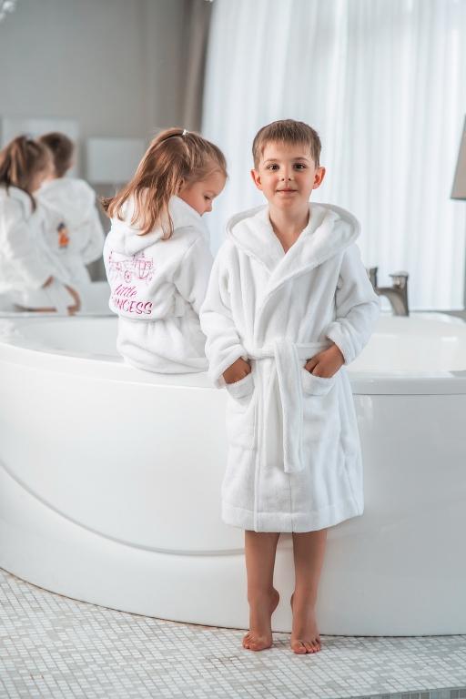 Детские халаты с капюшоном Premium велюровый-махровый
